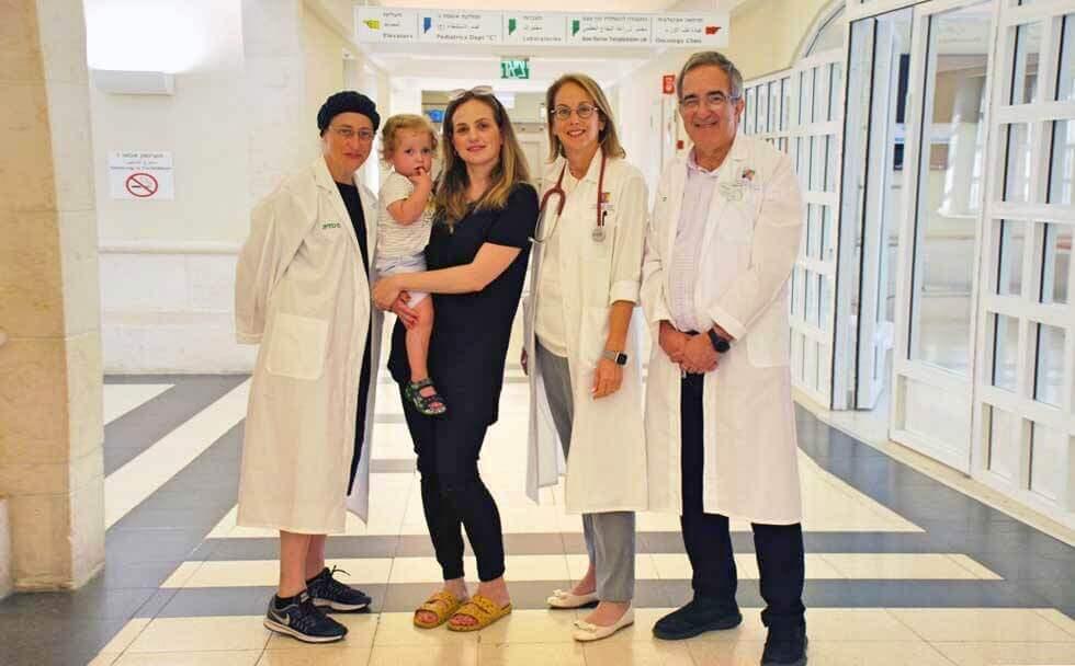 врачи детской больницы Шнайдер